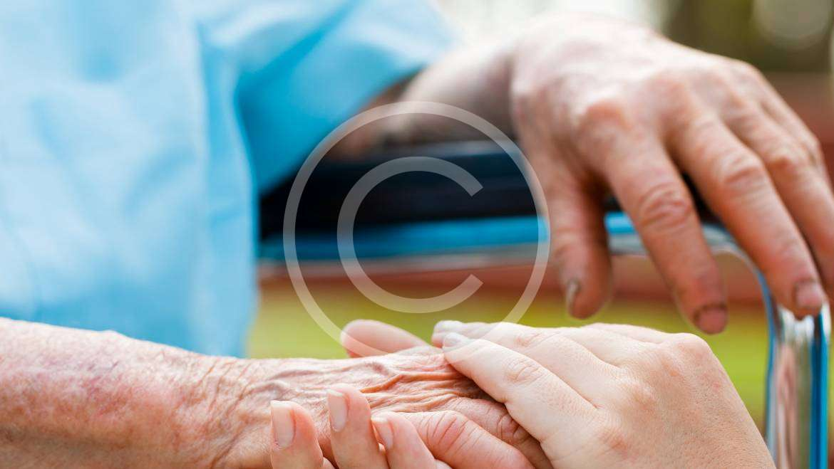 6 Caregiver Tips for Senior Financial Planning: What You Need to Know
